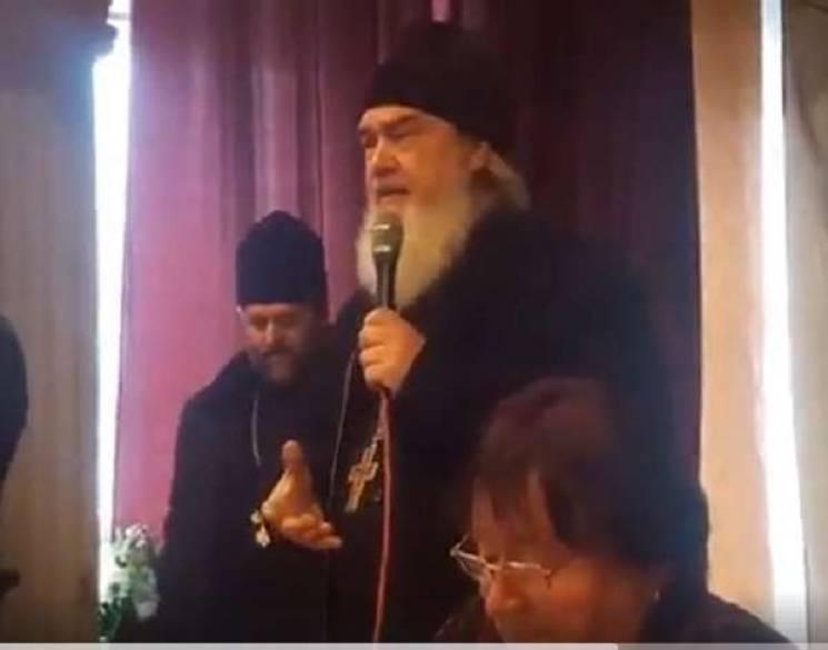 На Вінниччині московський піп прикидаєть…