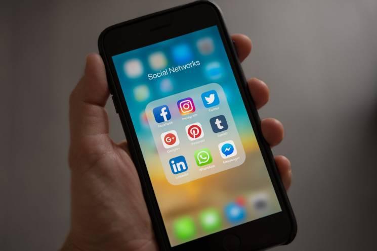 $20 за дані: Що Facebook купує в дітей