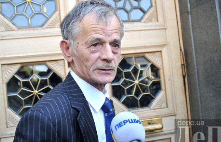 Джемилев на границе с Крымом будет решать судьбу крымских татар