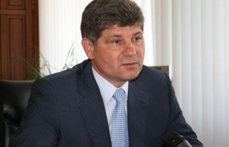 Мэр Луганска потребовал прекратить в городе военные действия