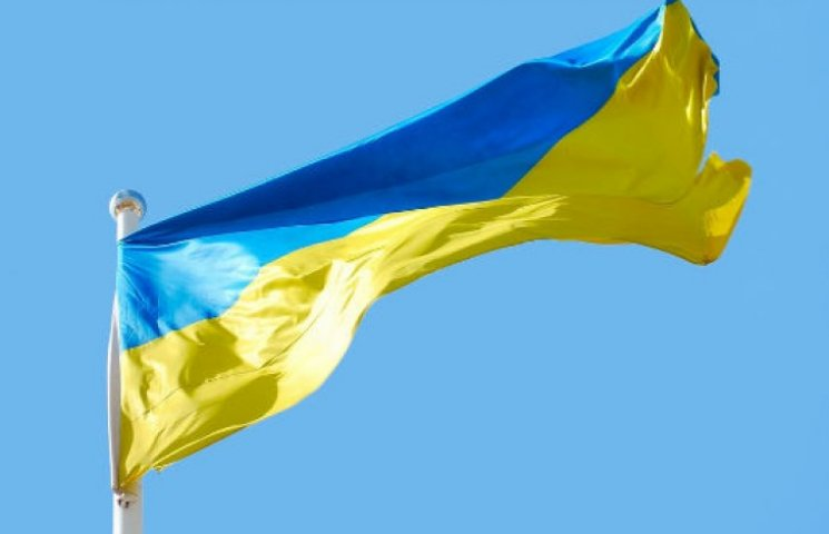 Порошенко доложили, что над горсоветом Славянска поднят флаг Украины