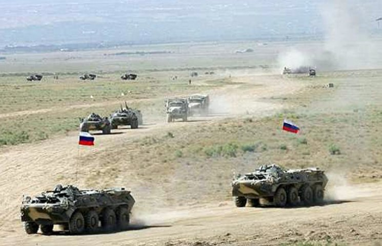 Военные РФ обустраивают огневые позиции на границе с Украиной
