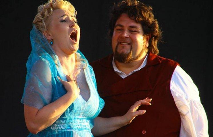 """""""Опера в мініатюрі"""" поселилася на 9 днів в древньому Кам'янці"""