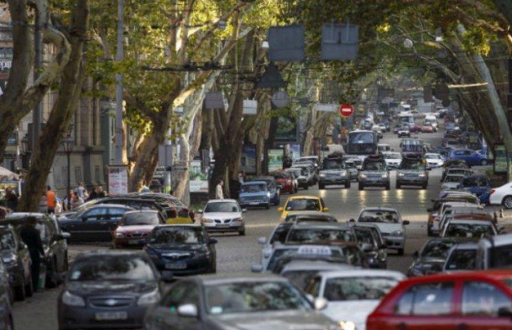 Де столичним водіям доведеться постояти у заторах (ВІДЕО)