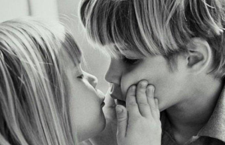Десять причин цілуватися щодня і довго: До Всесвітнього дня поцілунків