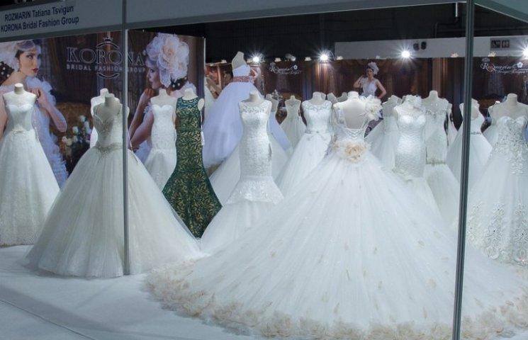 """Всі """"Королеви Польщі"""" вдягнуть вечірні сукні виключно дизайнерки з Кам"""