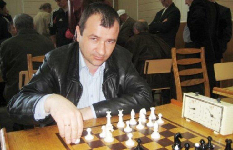 На всеукраїнському фестивалі шахісти з вадами зору гідно протистояли майстрам