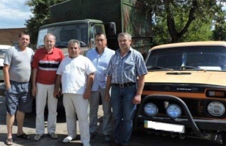 Чергову гуманітарну допомогу та два авто доправили на Схід жителі Новоушицького району
