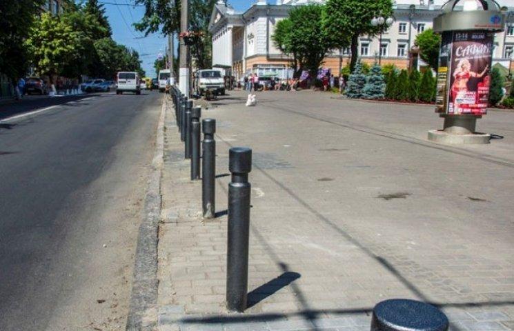 На вінницьких тротуарах вже не припаркуєшся