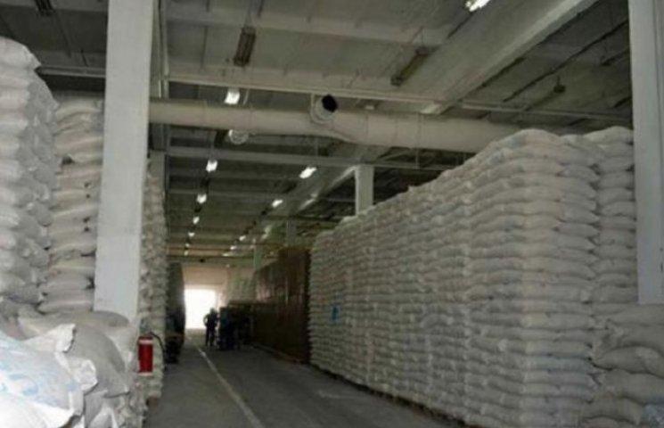 На Вінниччині збиралися вкрасти 150 тонн цукру за допомогою... оголошення в газеті