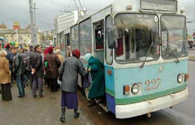 Суми залишаються зі старими тролейбусами