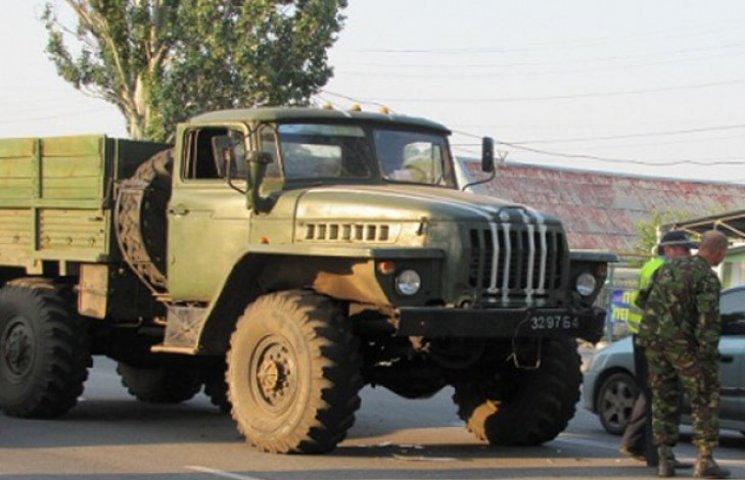 У Запорізькій області військовий тягач врізався в автомобіль з дитиною (ФОТО)