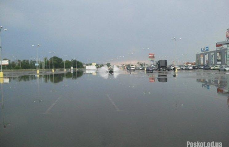 Злива знову потурбувала Одесу