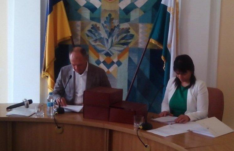 Полтавська міська рада таки розпочала скандальне засідання (ФОТО)