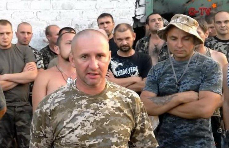 Бійці 17-ї танкової бригади погрожують бунтом через рік без відпусток (ФОТО)