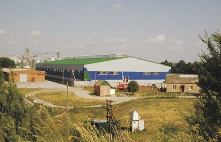 Фейкові громадські слухання провели у Староконстянтинові - акумуляторний завод збудують