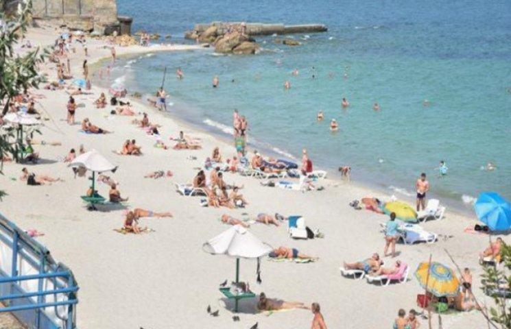 Саакашвілі прибрав перші паркани на міських пляжах Одеси (ФОТОФАКТ)