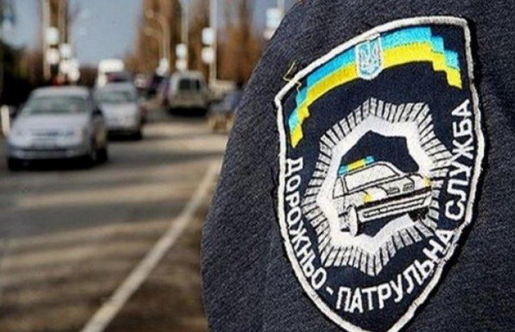 Новий начальник ДАІ Одеської області з сокирою в руках вривався до сусідів