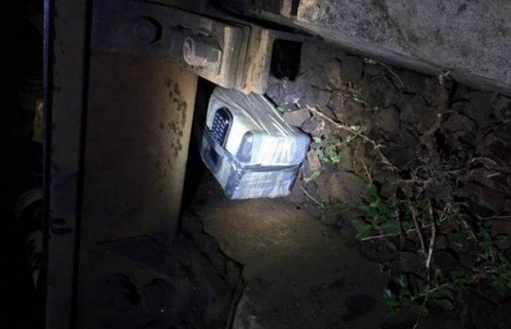 """У Харкові диверсант """"ДНР"""" намагався підірвати залізницю (ФОТО, ВІДЕО)"""