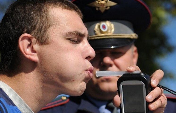 У Вінниці Дорожній контроль впіймав за кермом п'яного правоохоронця