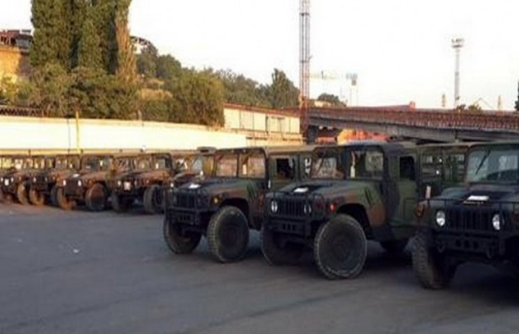 США дотримується обіцянок і постачає воєнну техніку в Україну
