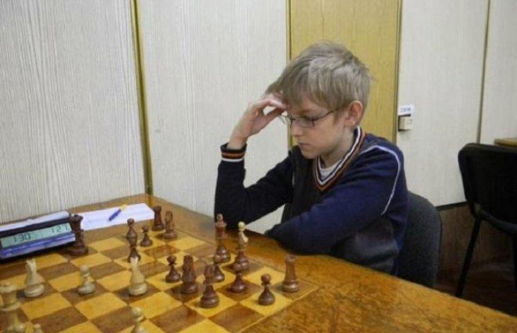 13-річний вундеркінд у Вінниці виграв міжобласний турнір до Дня шахів