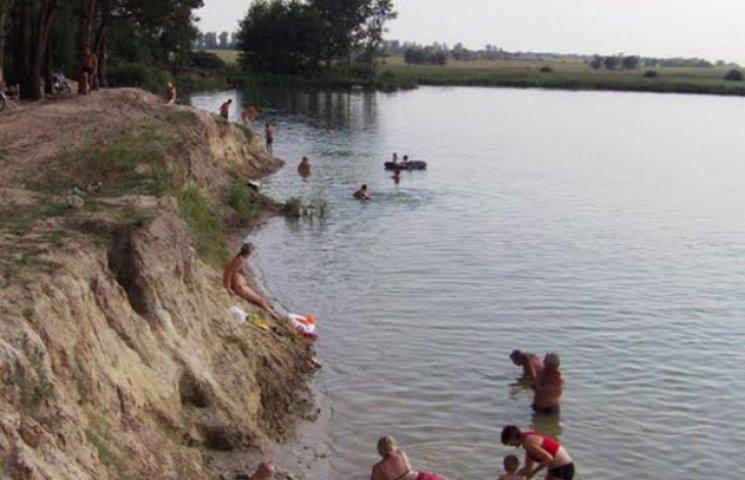На Сумщині медсестри, які відпочивали на природі, врятували людині життя