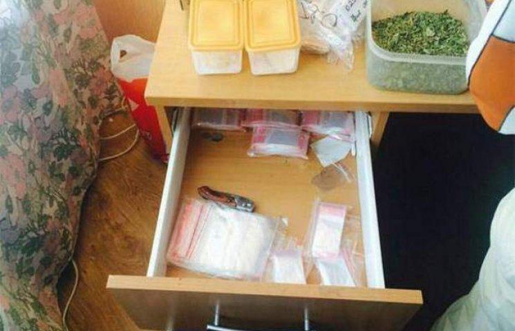 Наркоторговці на Одещині відкрили свій інтернет-магазин і були затримані