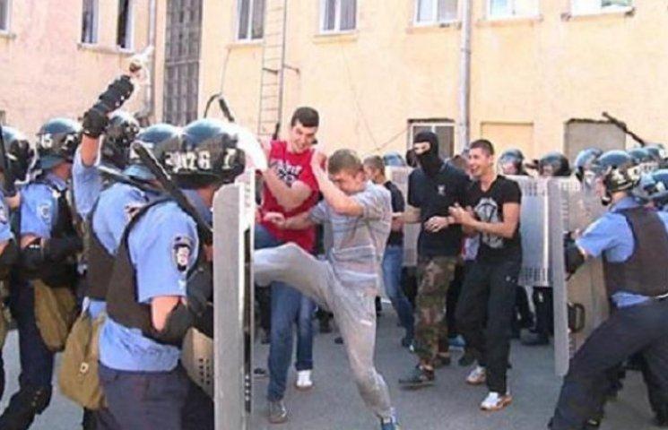 Вінницькі правоохоронці вчилися приборкувати футбольних ультрас