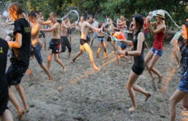 Прийди та замочи ворога: Молодь Сум запрошують на WaterStrike