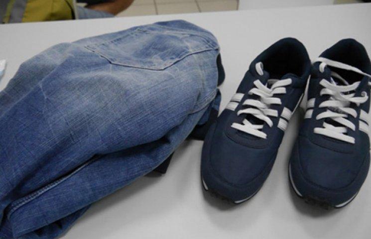 """Неповнолітній поцупив у """"Мануфактурі"""" одягу на три тисячі гривень"""