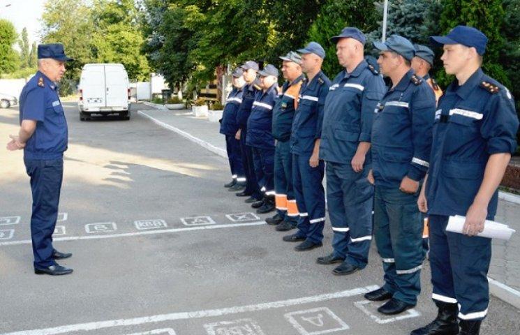 Дніпропетровські рятувальники поїхали відновлювати Донбас