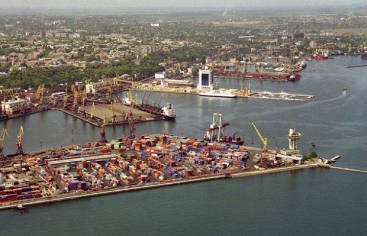 В Одеському порту побудують новий причал і реконструюють старі