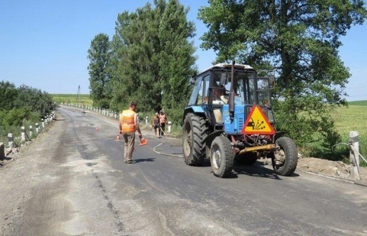 """Дорожники Хмельниччини відновили рух мостом на трасі Н-03 """"Житомир-Хмельницький"""""""
