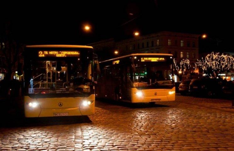 Активісти просять змінити маршрути нічного транспорту у Львові