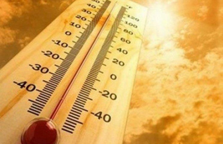 Через аномальну спеку в Запоріжжі 10 тисяч людей лишилися без світла