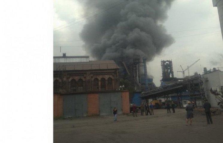 У Дніпродзержинську розплавлений чавун затопив будівлю заводу