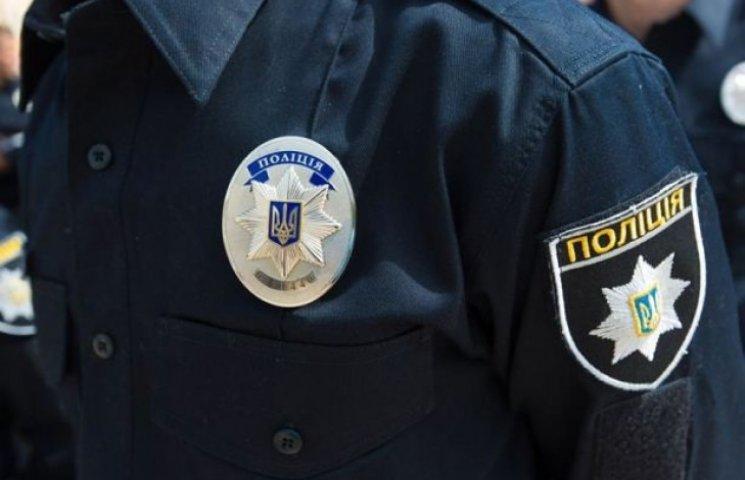 """В перший день прийому до нової поліції у Дніпропетровську відбувся """"аншлаг"""""""