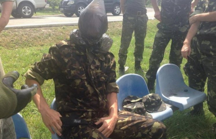 Дніпропетровські волонтери навчали мобілізованих правилам виживання в АТО