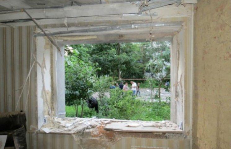 """Екс-мер Сум вважає, що вибух у """"Батьківщині"""" був """"самострілом"""""""