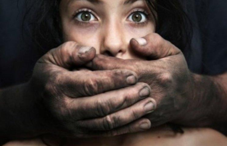 На Вінниччині кожні шість днів ґвалтують жінок