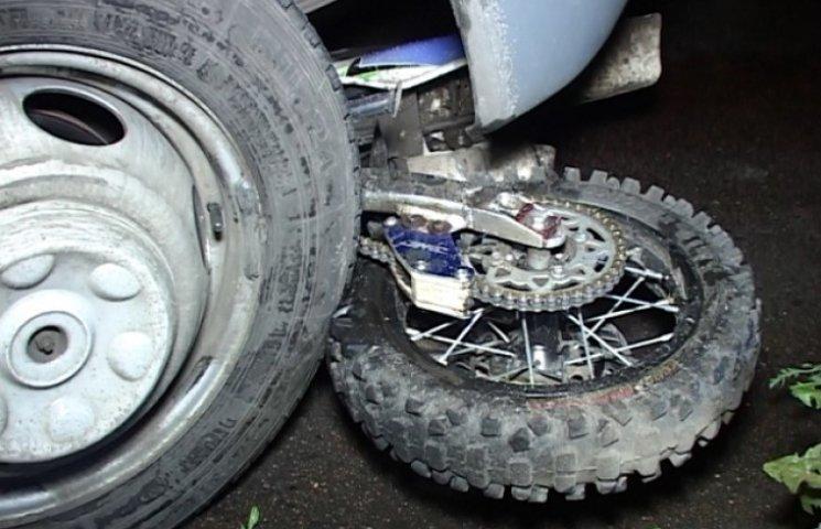 У Сумах загинув водій мотоцикла, потрапивши під колеса маршрутного таксі