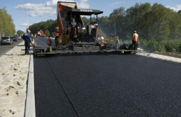 Порошенко пообещал миллиарды на украинские дороги