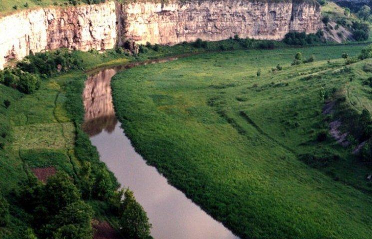 Екологи приховали незаконну вирубку дерев у Смотрицькому каньйоні