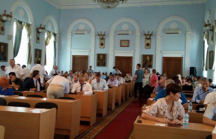 """Миколаївські депутати не дали добро на розробку проекту для """"відстійника"""" фур"""