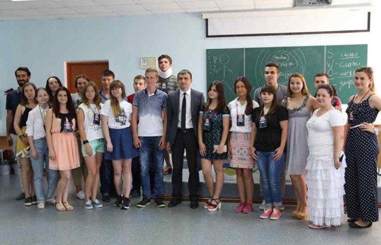 Очільник Хмельницького зустрівся з молодими лідерами