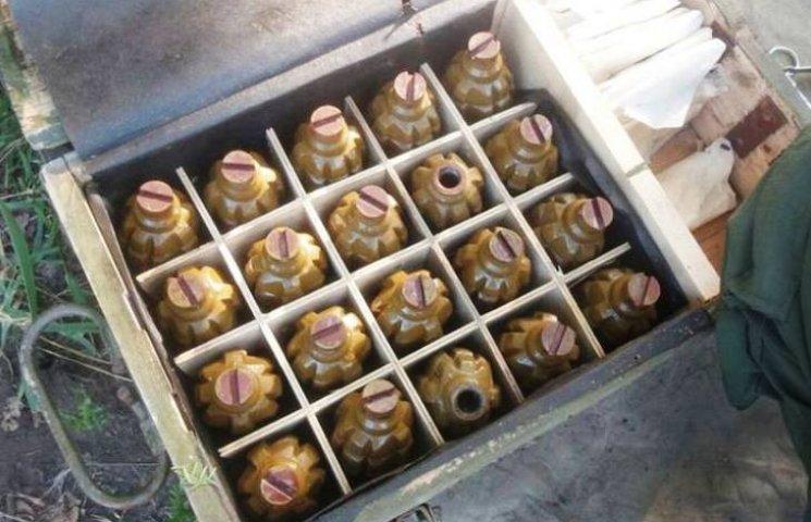 Потужний арсенал боєприпасів, який знайшли на Харківщині, ввезли з Росії для здійснення терактів, - СБУ