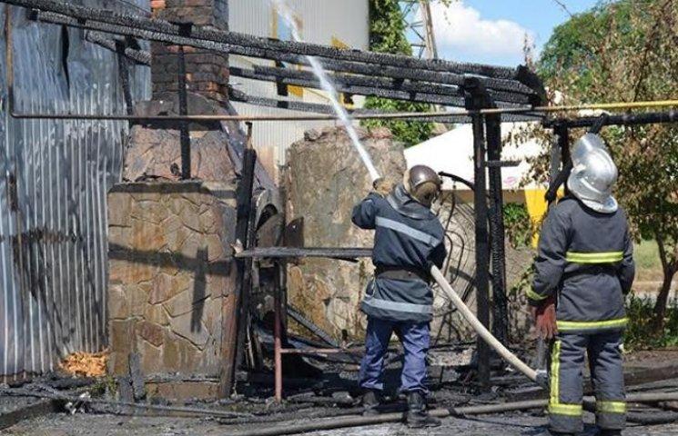 У Миколаєві курець ледь не спалив СТО
