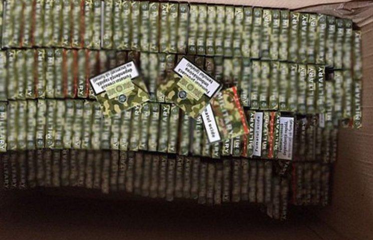 Тонни спирту та контрафактних цигарок затримала СБУ на Хмельниччині