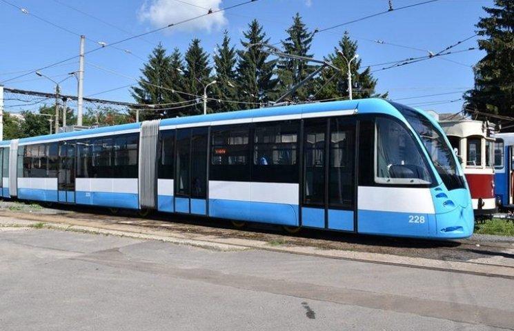 Винницкие транспортники сделали современный низкопольный трамвай